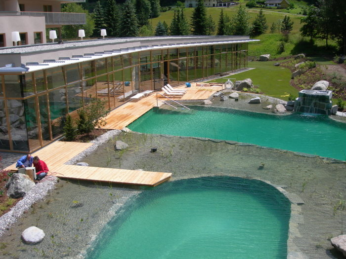 Construire une piscine naturelle biologique blog for Piscine en france
