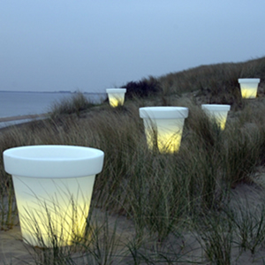 des pots lumineux pour le jardin la terrasse ou le balcon forumbrico. Black Bedroom Furniture Sets. Home Design Ideas