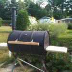 Construction barbecue à couvercle