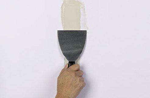 Comment d caper une peinture en 3 m thodes conseils et astuces bricolage d - Decaper un vestiaire metallique ...
