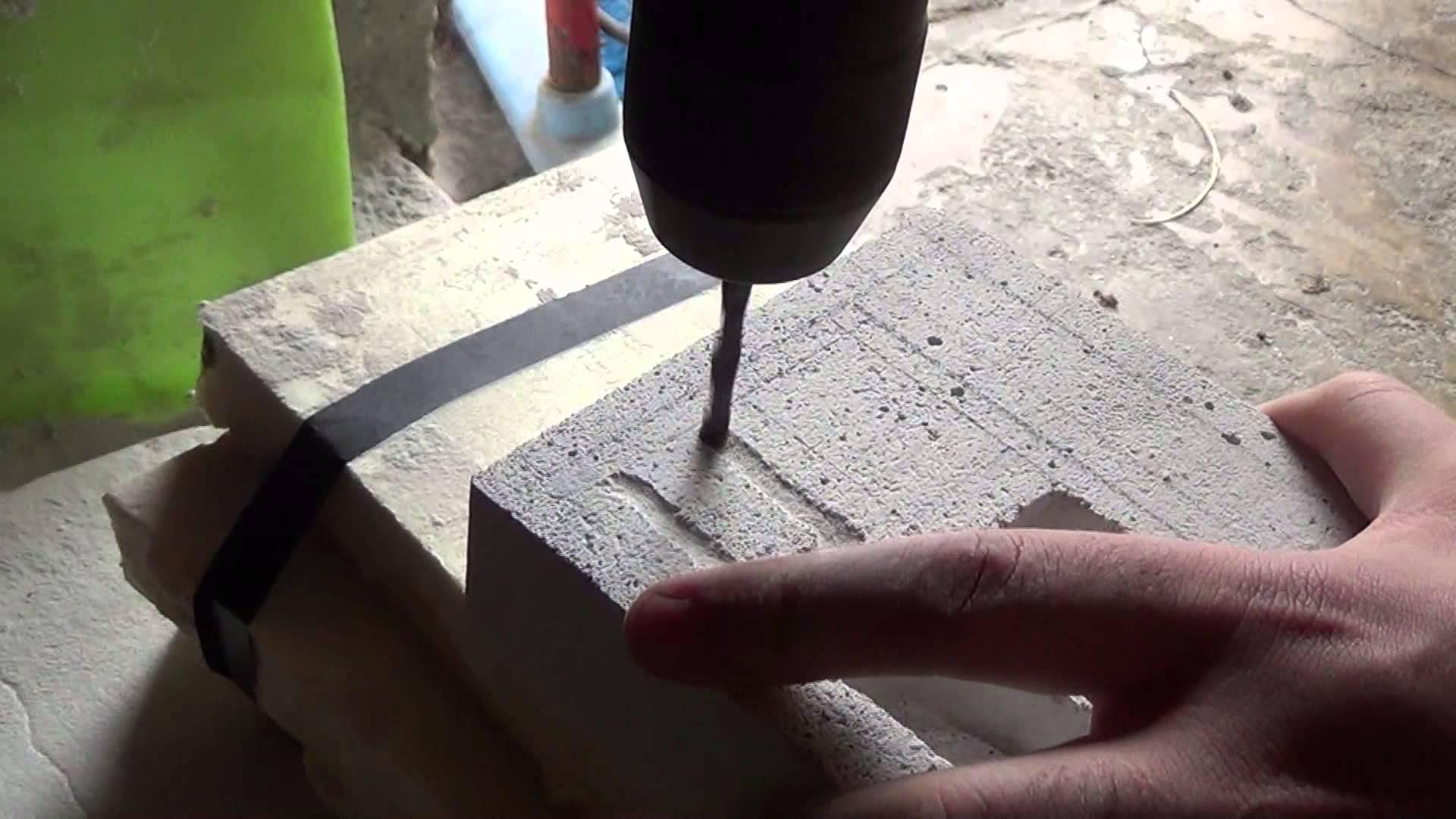 fixer dans beton cellulaire