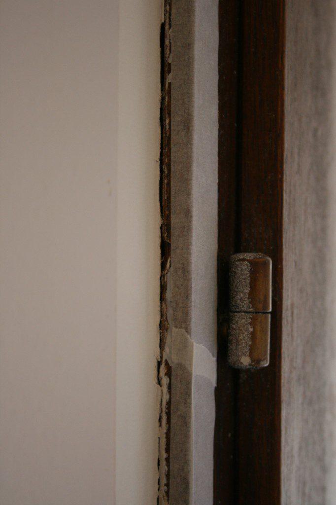 Retirer les anciens joints mastic des fenêtres