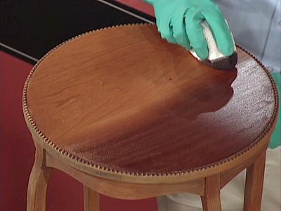 comment teindre un meuble en bois blog conseils astuces bricolage d coration. Black Bedroom Furniture Sets. Home Design Ideas