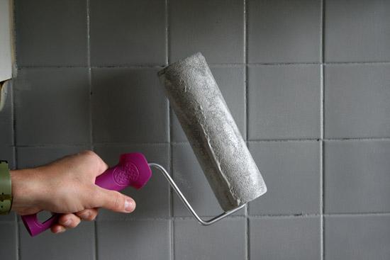 Conseils pour appliquer r sinence conseils et astuces - Peinture pour carrelage douche ...