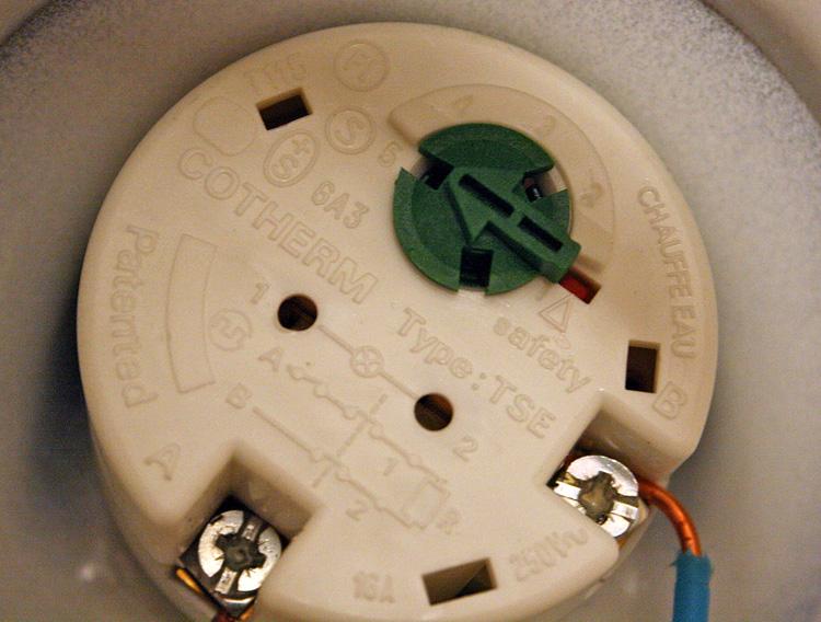 thermostat chauffe-eau électrique