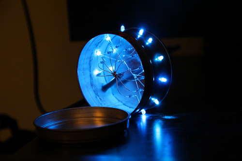 Boîtier LED allumé et ouvert 02