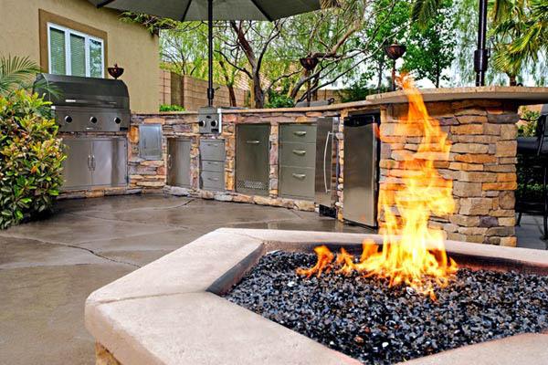 cuisine de jardin avec cheminée