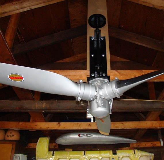 Support ventilateur de plafond hélice