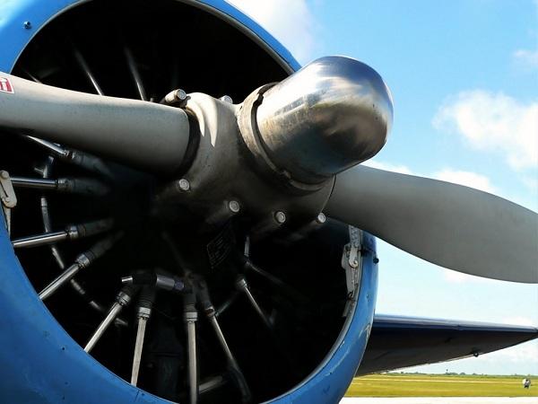Ventilateur plafond hélice avion