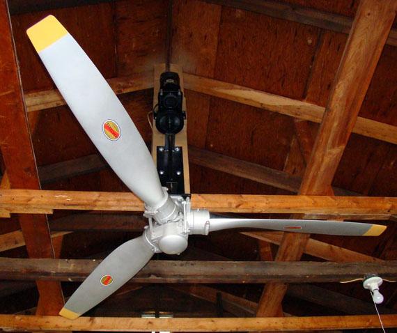 ventilateur de plafond hélice d'avion