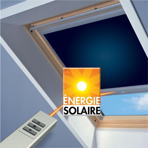 Store obscurcisant à énergie solaire Velux