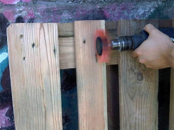 Fabriquer une table basse avec une palette conseils et for Que fabriquer avec des palettes en bois