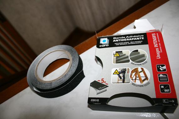bande-adhesive-anti-derapante-escaliersbande-adhesive-anti-derapante-escaliers