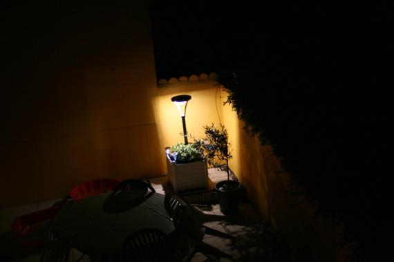 Lampadaire-solaire-400-lumens-Xanlite