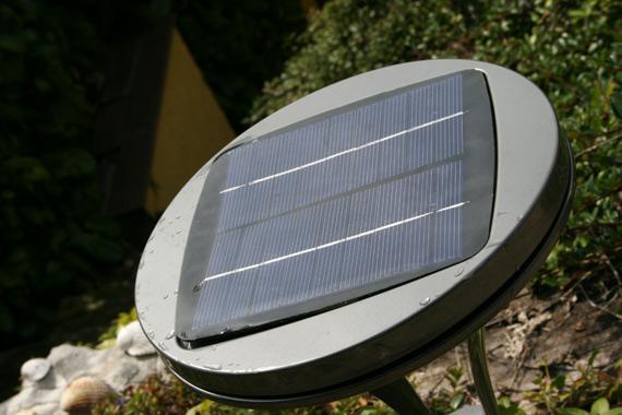 des bornes et lampadaires solaires l clairage surpuissant forumbrico. Black Bedroom Furniture Sets. Home Design Ideas