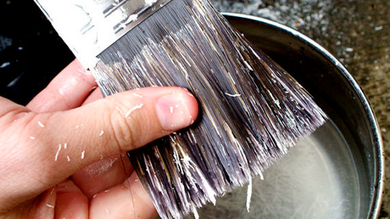 Comment nettoyer un pinceau ou une brosse de peinture conseils et astuces b - Comment nettoyer rouleau peinture ...