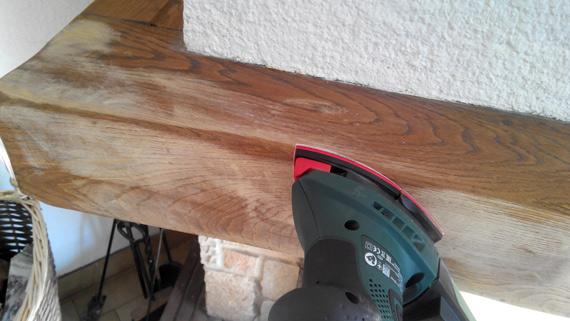 Comment peindre la poutre de votre chemin e conseils et for Peindre sur du bois vernis sans poncer