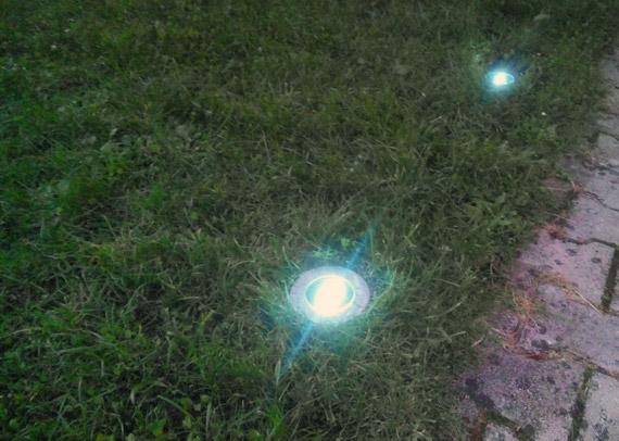spots-enterres-jardin-sans-electricite