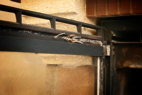 retirer-joint-porte-cheminée