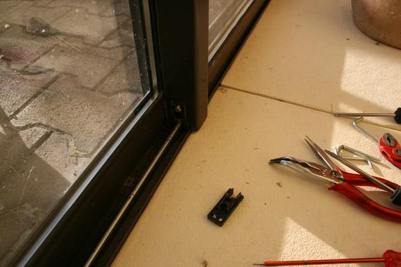 regler-droit-baie-vitrée-en-aluminium