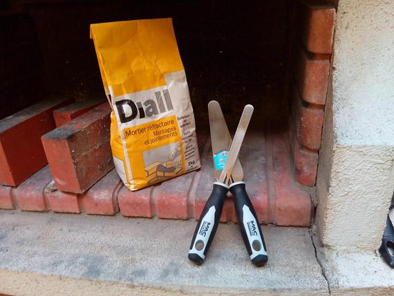 reparer-fissure-barbecue-mortier-refractaire