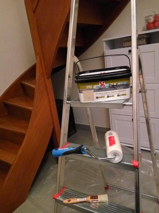 Comment-peindre-escalier-bois-sans-poncer