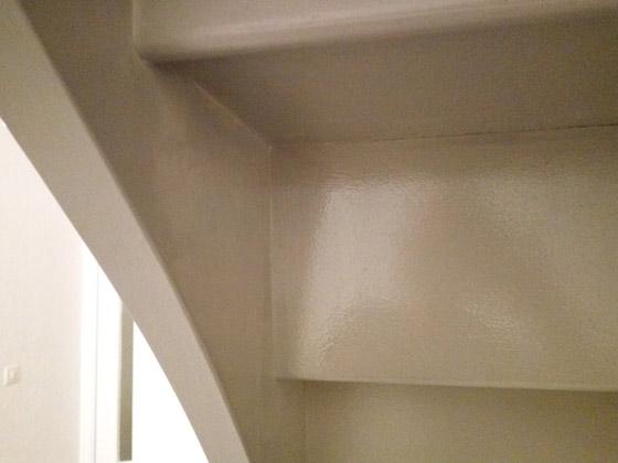 comment-repeindre-escalier