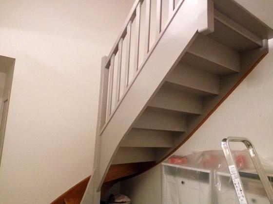 peinture-vieux-escaliers-bois