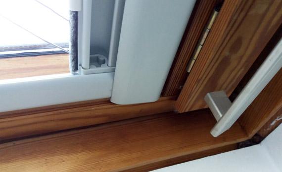 emboitement-glissieres-coffre-store-occultant-interieur