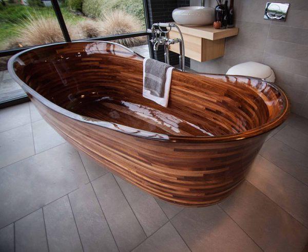 baignoire-bois-vernie