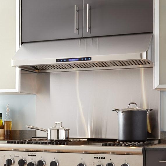 Quelle hotte ilot choisir good de la hotte de plafond for A quelle hauteur installer une hotte de cuisine