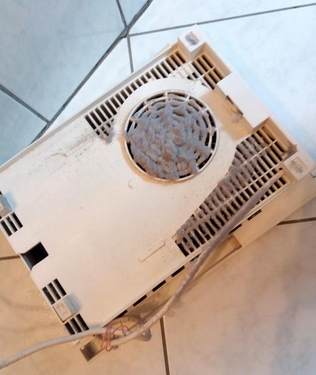 poussiere-radiateur-odeur-brule