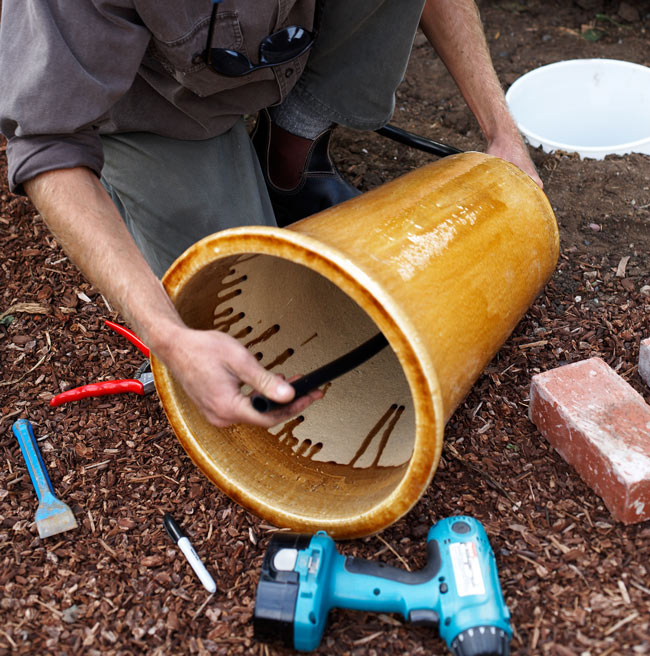 Créer-une-fontaine-dans-pot-de-fleur