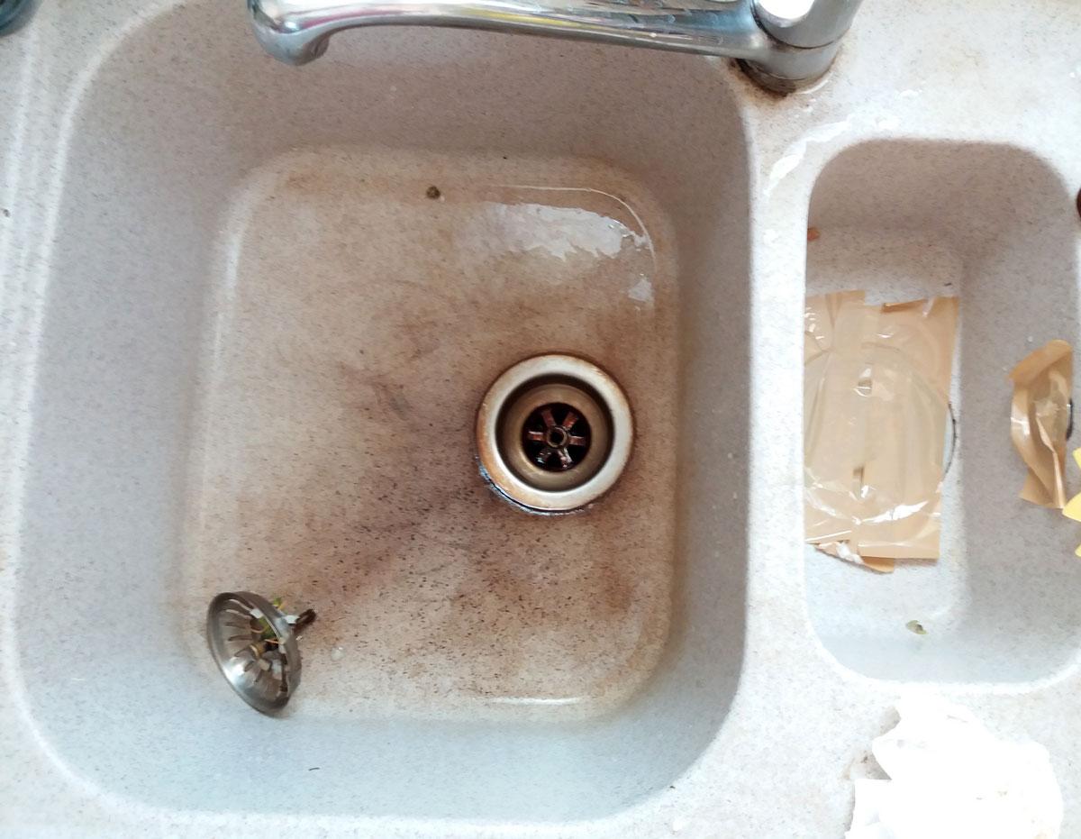 Déboucher-un-evier-ou-un-lavabo