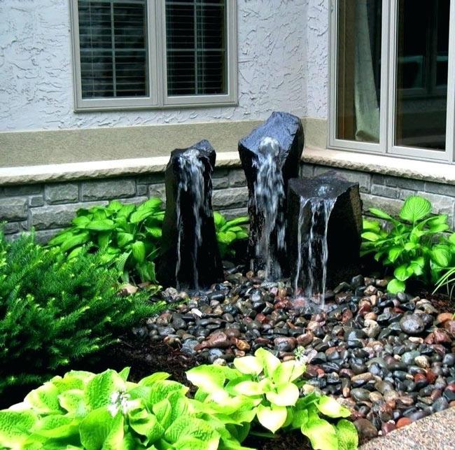 Fontaine-de-jardin-pierres