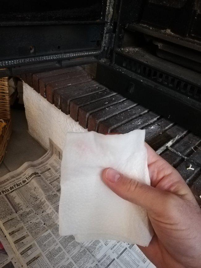 Nettoyer vitre poele cheminee insert 02