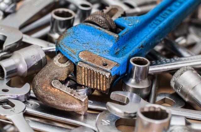 outils-pour-serrer-et-bloquer