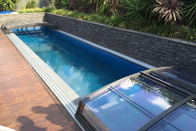 Abri-de-piscine-bas