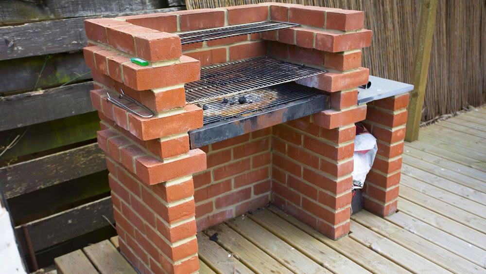 Comment-fabriquer-un-barbecue-en-briques-02