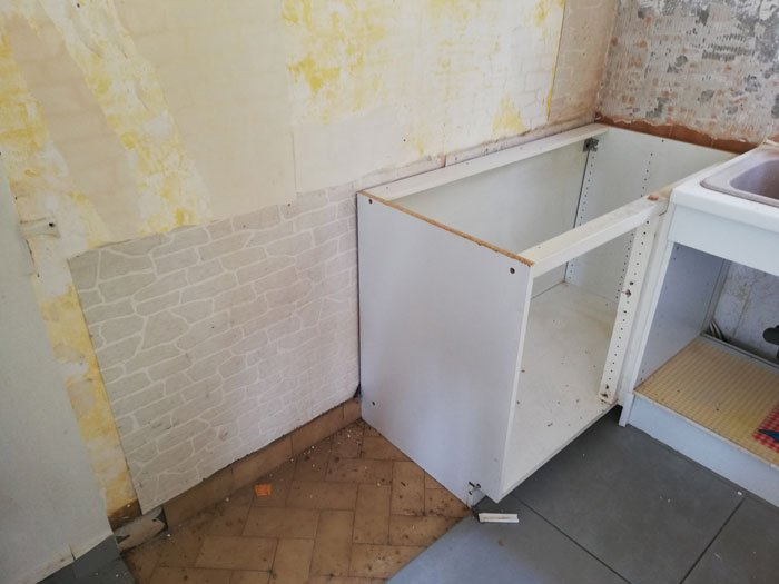 Comment-demonter-une-cuisine-meubles-bas-enlever