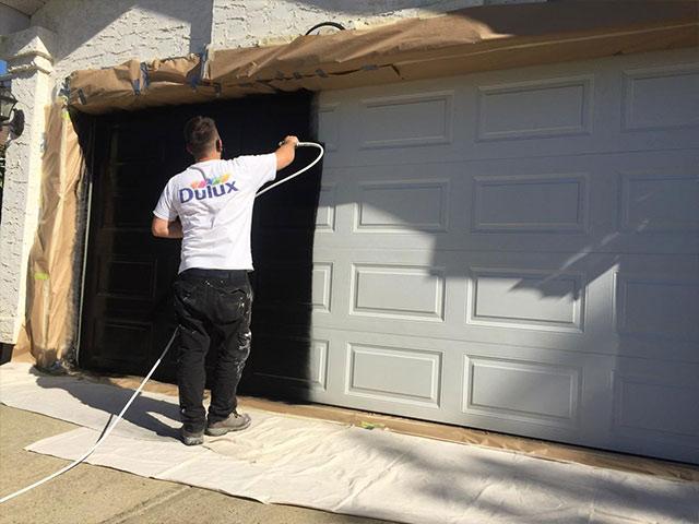 Comment-peindre-porte-garage