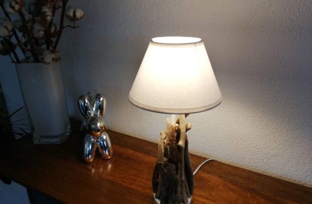 Concevoir une lampe en bois flotté
