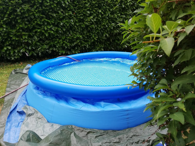 monter une piscine autoportante gonflable