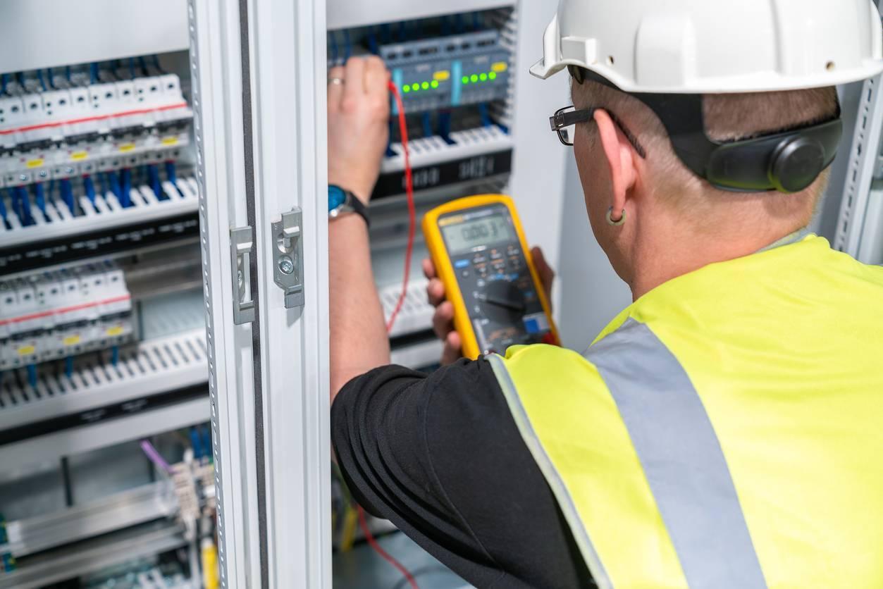 électricien  mise en sécurité tableau électrique