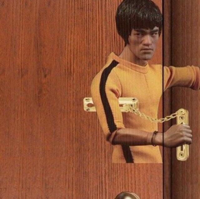 Bruce Lee portes fermeture