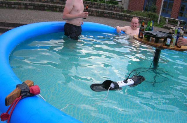 dangers électricité piscine lol