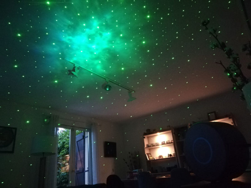 projecteur-laser-plafond-etoiles